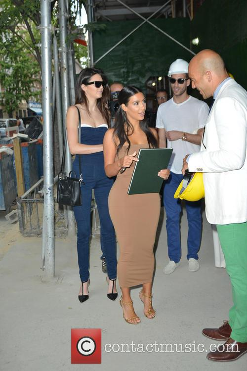 Kendall Jenner and Kim Kardashian 16