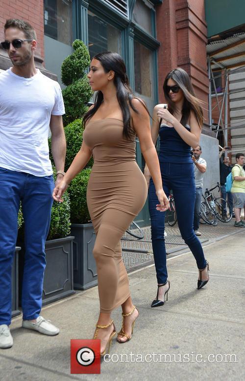 Kendall Jenner and Kim Kardashian 27