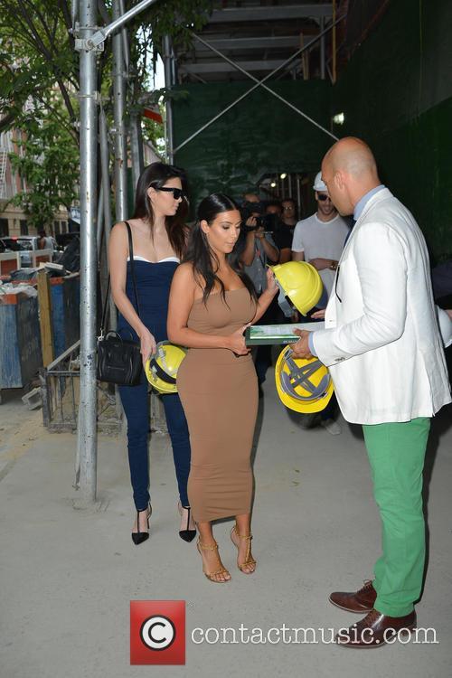 Kendall Jenner and Kim Kardashian 28