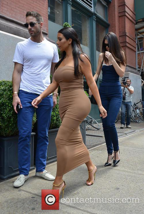 Kendall Jenner and Kim Kardashian 33