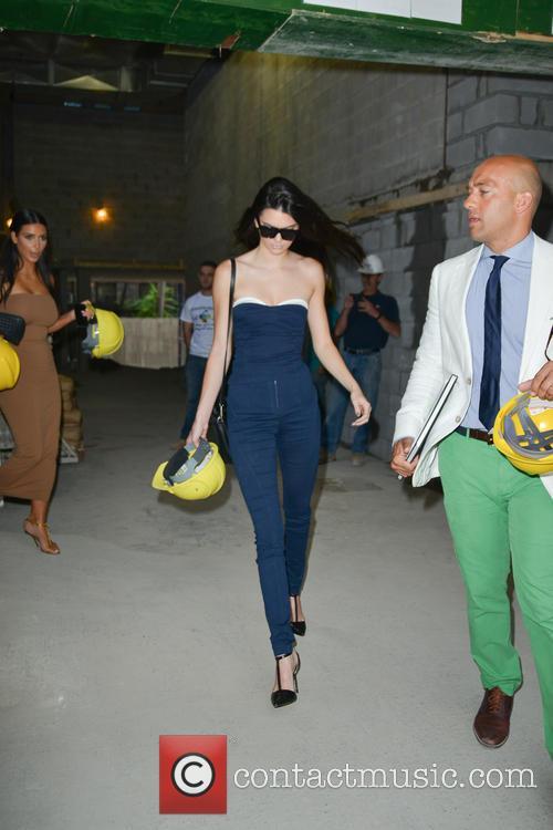 Kim Kardashian and Kendall Jenner 3