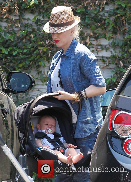 Gwen Stefani and Apollo Rossdale 7