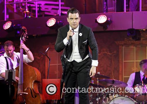 Robbie Williams, Manchester Phones4U Arena