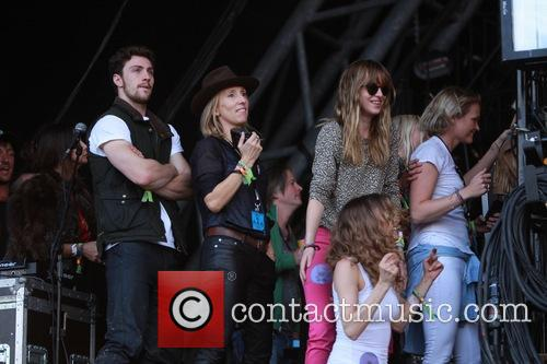 sam taylor johnson aaron taylor johnson glastonbury festival 4265282
