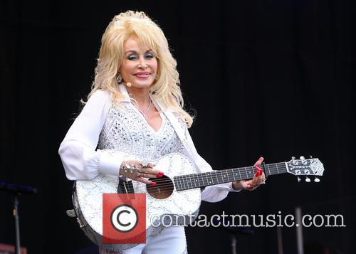 Dolly Parton 32