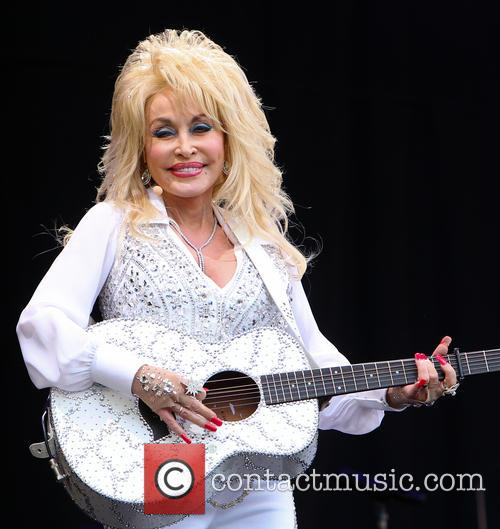 Dolly Parton 34