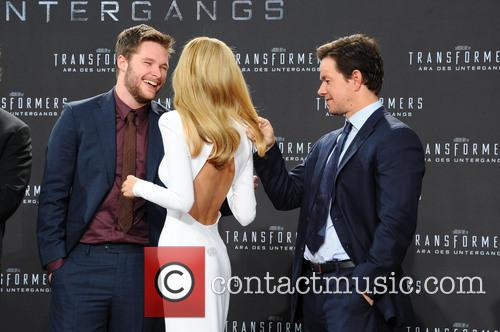 Jack Reynor, Nicola Peltz and Mark Wahlberg 1