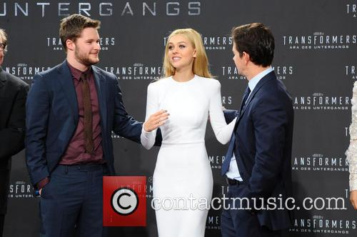 Jack Reynor, Nicola Peltz and Mark Wahlberg 2