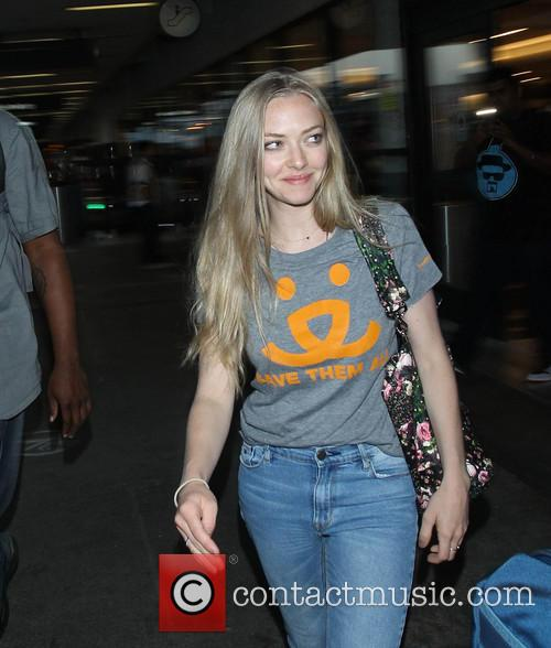 Amanda Seyfried  Arrives At LAX Airport