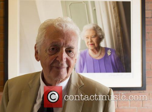 Photographer Harry Benson unveils Queen Elizabeth portrait