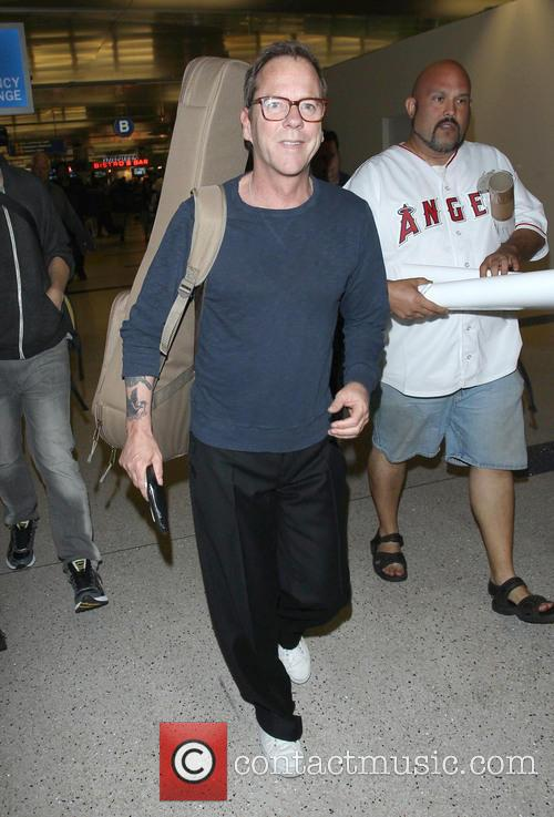 Kiefer Sutherland arriving at LAX