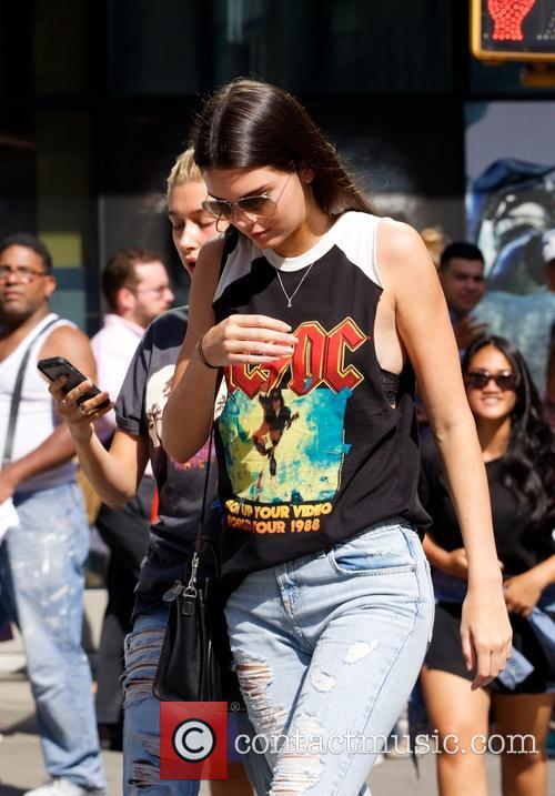 Kendall Jenner hangs out with Hailey Baldwin in New York City