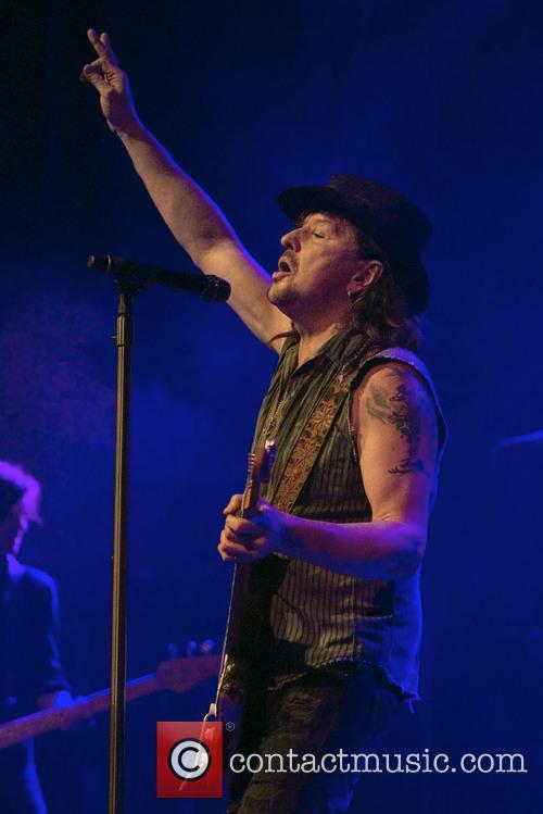 Richie Sambora Performing In Glasgow
