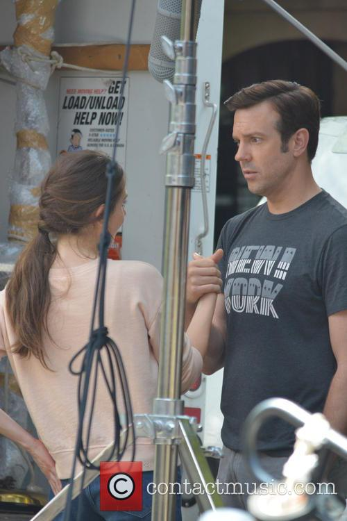 Jason Sudeikis and Alison Brie 7