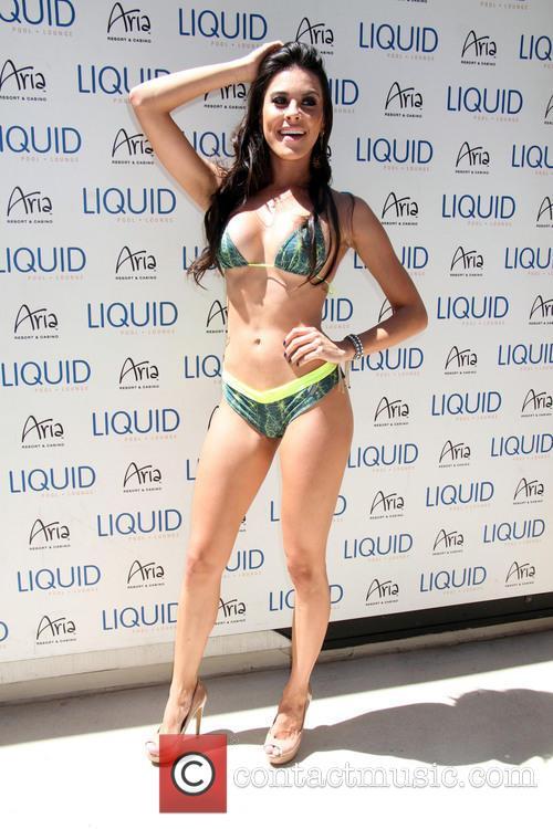 Camila Oliveira 1