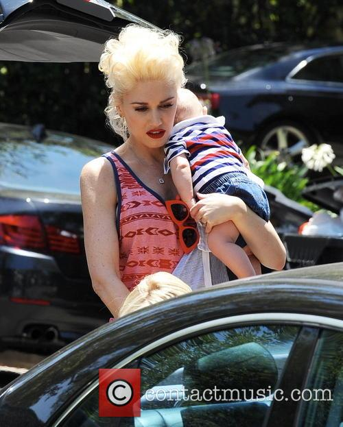 Gwen Stefani celebrates the 4th of July with...