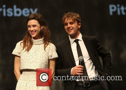 Astrid Berges-frisbey and Michael Pitt