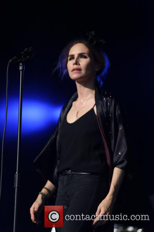 Nina Persson 5