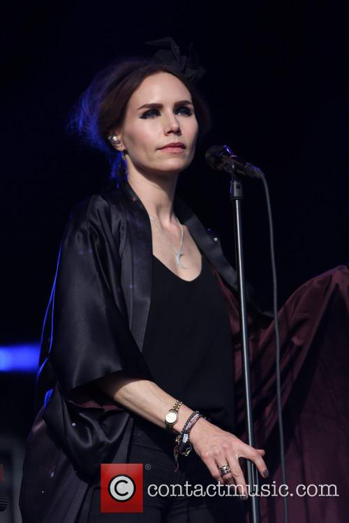 Nina Persson 6