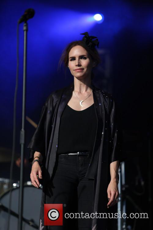 Nina Persson 8