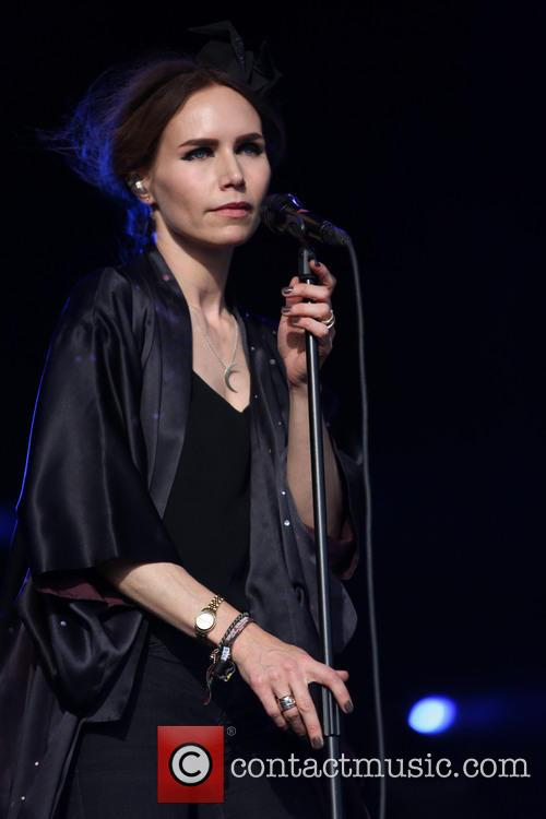 Nina Persson 11