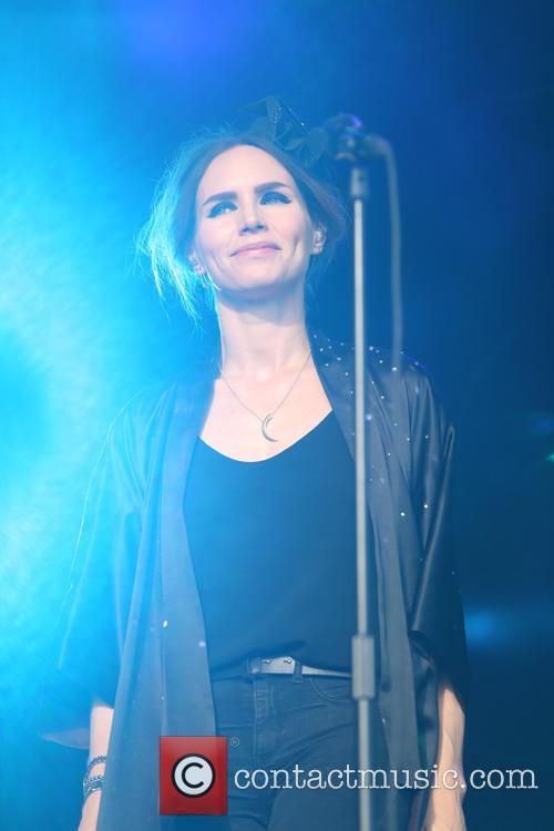Nina Persson 15