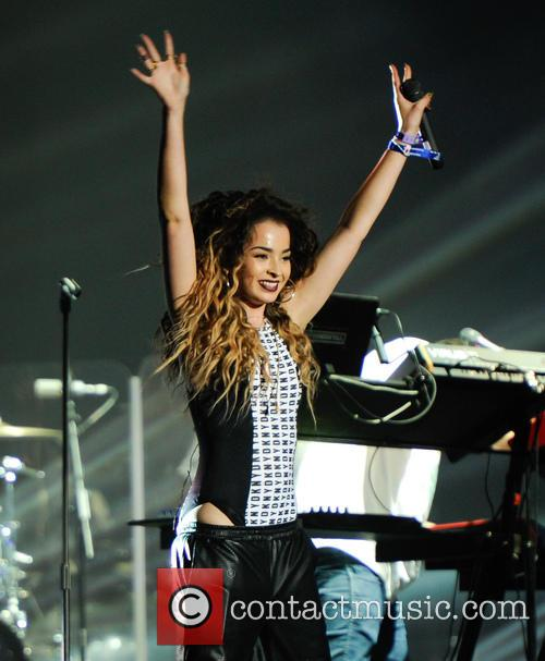 Ella Eyre and Rudimental 11