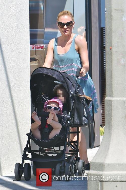 Anna Paquin, Charlie Moyer and Poppy Moyer 8