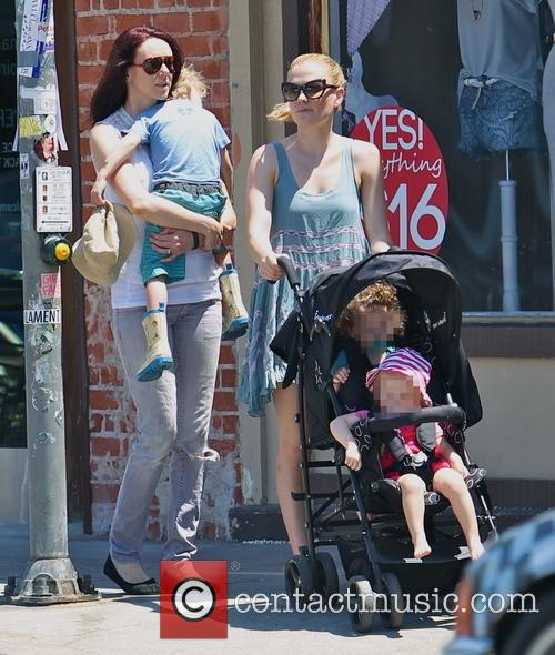 Anna Paquin, Charlie Moyer and Poppy Moyer 18