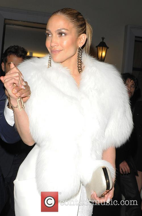 Jennifer Lopez leaves Lasserre restaurant