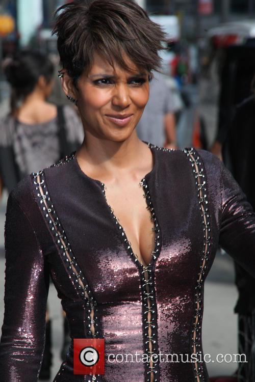 halle berry halle berry leaves the late 4275878