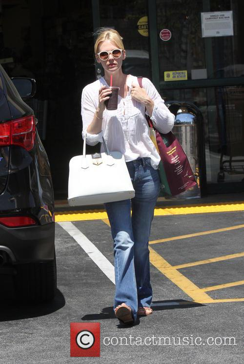 January Jones goes grocery shopping at Whole Foods...