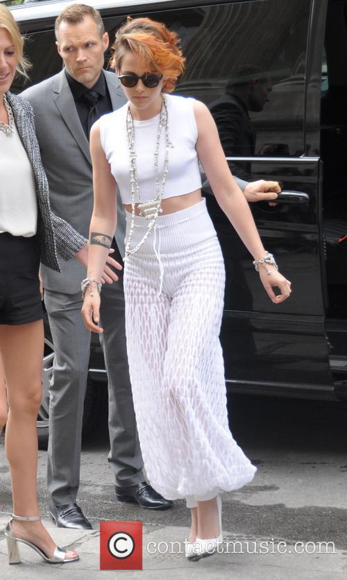 Kristen Stewart arriving at Chanel Catwalk show