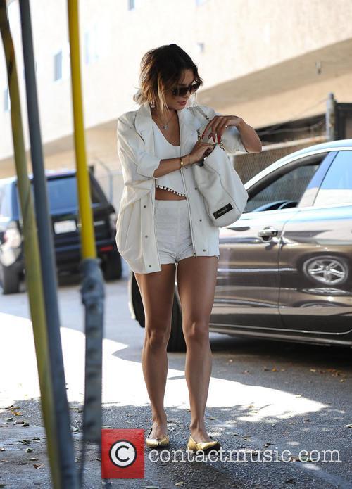 Vanessa Hudgens arriving at Nine Zero One salon