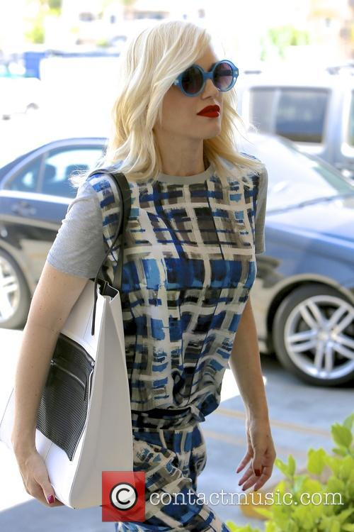 Gwen Stefani arriving at an acupuncture appointment