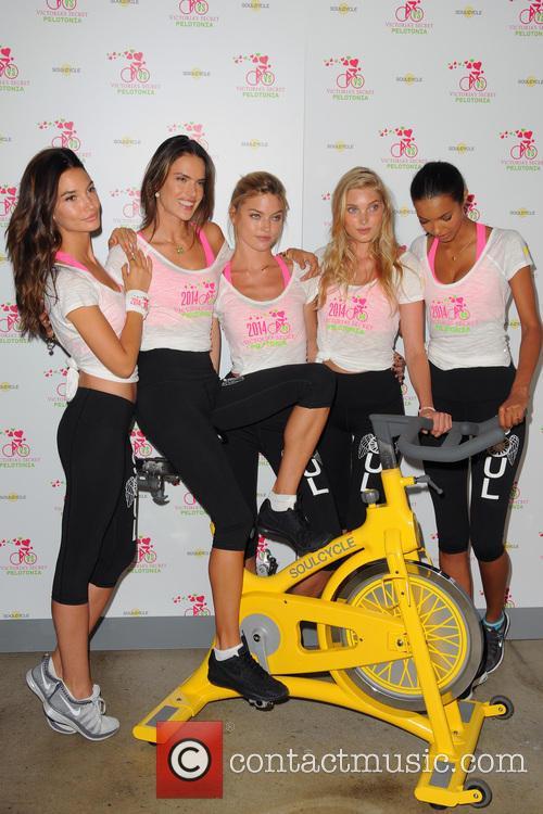 Lily Aldridge, Alessandra Ambrosio, Martha Hunt, Elsa Hosk and Lais Ribeiro 9