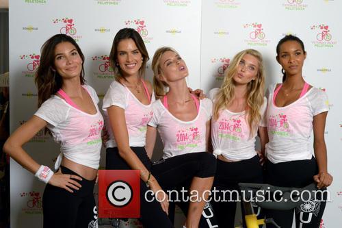 Lily Aldridge, Alessandra Ambrosio, Martha Hunt, Elsa Hosk and Lais Ribeiro 10