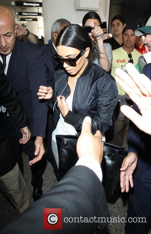 Kim Kardashian and Kendall Jenner 5