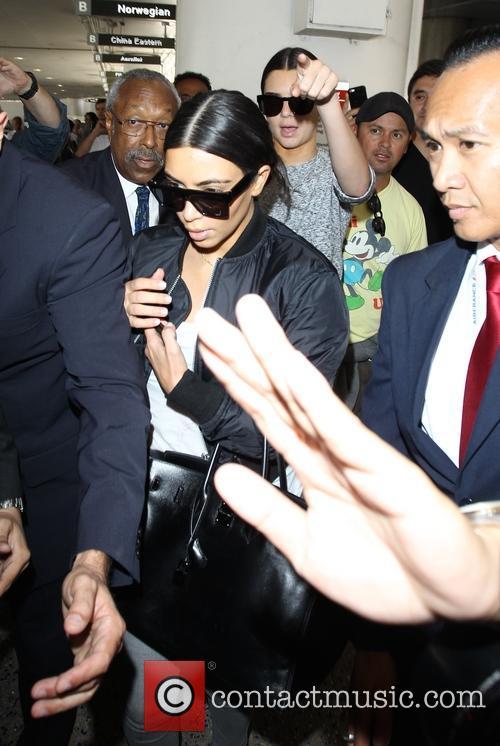 Kim Kardashian and Kendall Jenner 6