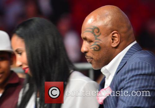 Mike Tyson, Lakiha Spicer and Kiki Spicer 3