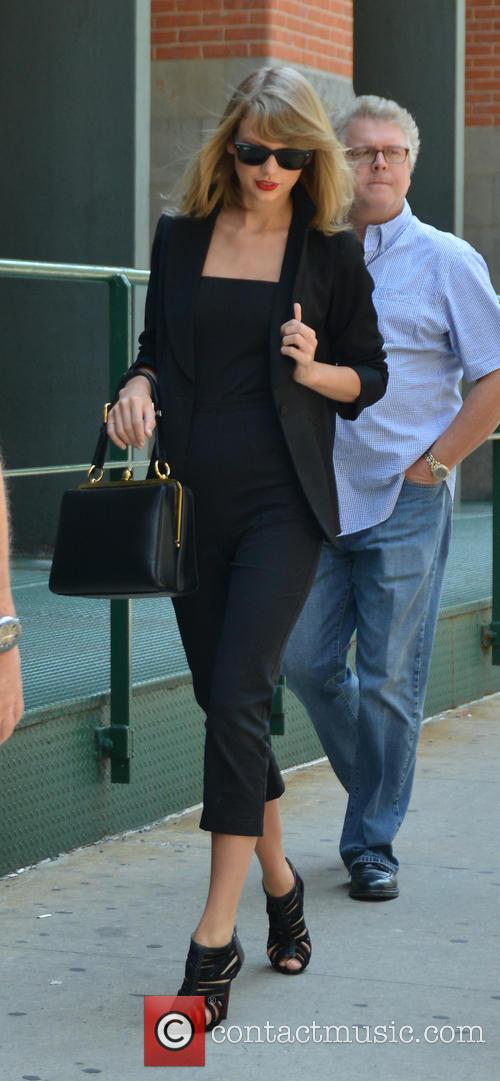 Taylor Swift, Scott Swift and Andrea Finley 1
