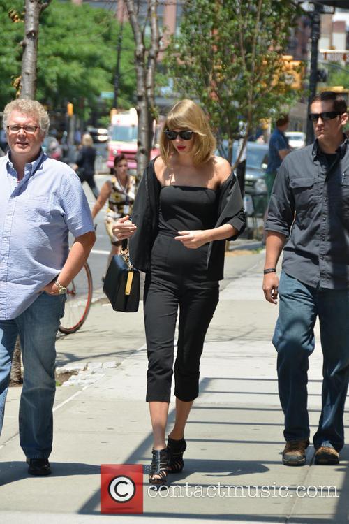 Taylor Swift 65