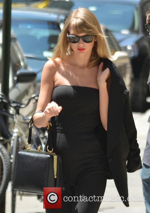 Taylor Swift 76
