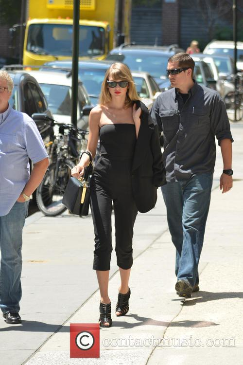 Taylor Swift 82