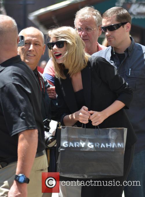 Taylor Swift 107
