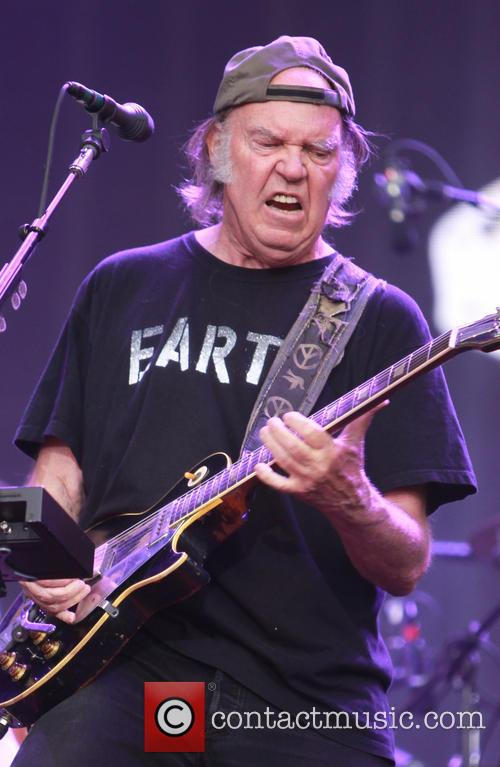 Neil Young Removes Back Catalogue From Streaming Services