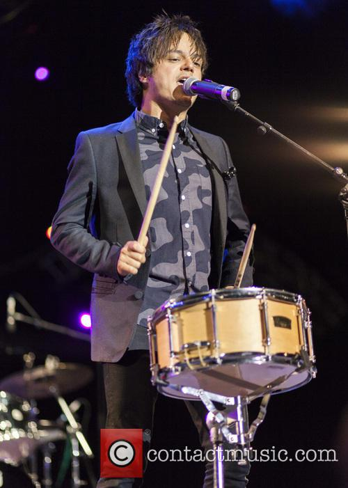 Jamie Cullum performs live