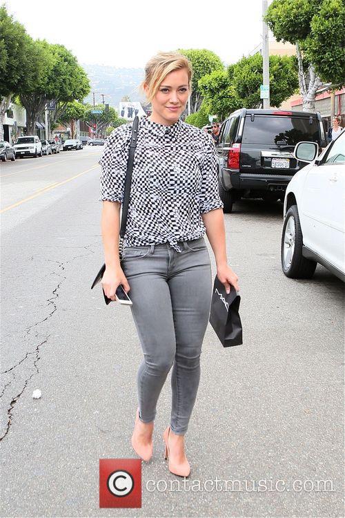 Hilary Duff leaves MAC Cosmetics
