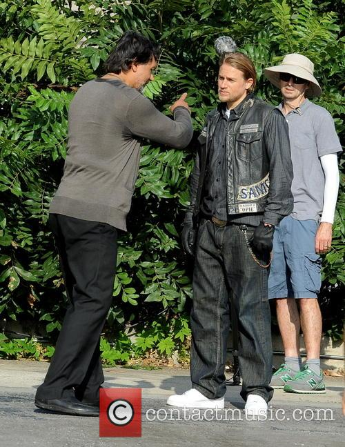 Charlie Hunnam and Jimmy Smits 11