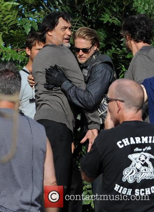 Charlie Hunnam and Jimmy Smits 8